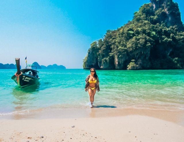 Hong Island blue waters